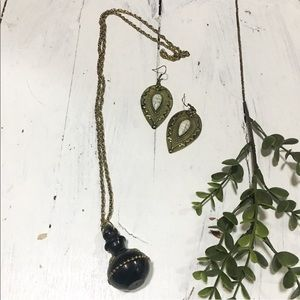 Brand new / boho Aladdin bottle necklace earrings